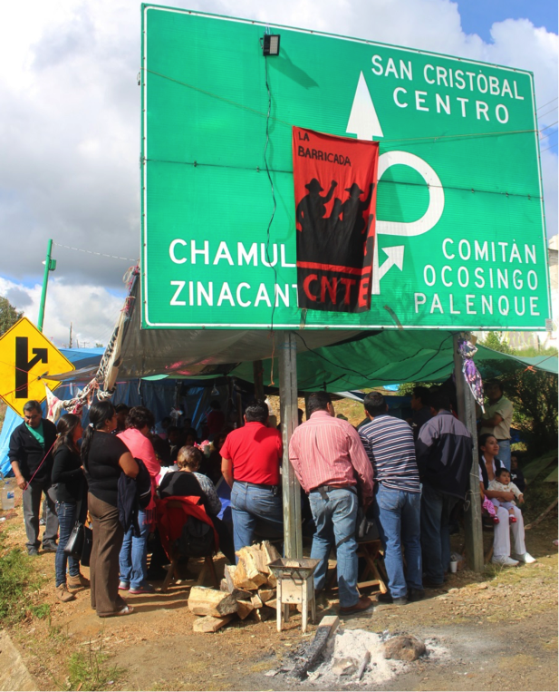 Assembly in the blockade of San Cristobal (Photo: Alessandro Zagato)