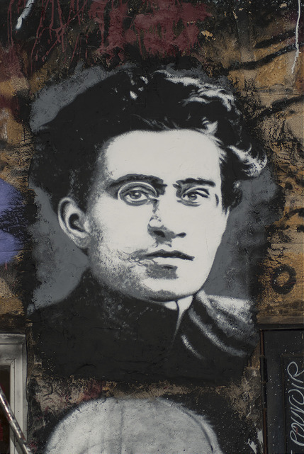 Antonio Gramsci, painted portrait in Saint-Romain-au-Mont-d'Or, Rhone-Alpes, France (© 2015 Abode of Chaos, via Flickr).